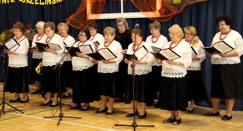 uroczystosci-festyny-rajdy-koncerty, MIĘDZYPOKOLENIOWE SPOTKANIE SENIORÓW - zdjęcie, fotografia