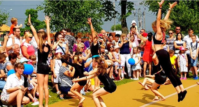 uroczystosci-festyny-rajdy-koncerty, GMINNY DZIEŃ DZIECKA BORZĘCINIE - zdjęcie, fotografia
