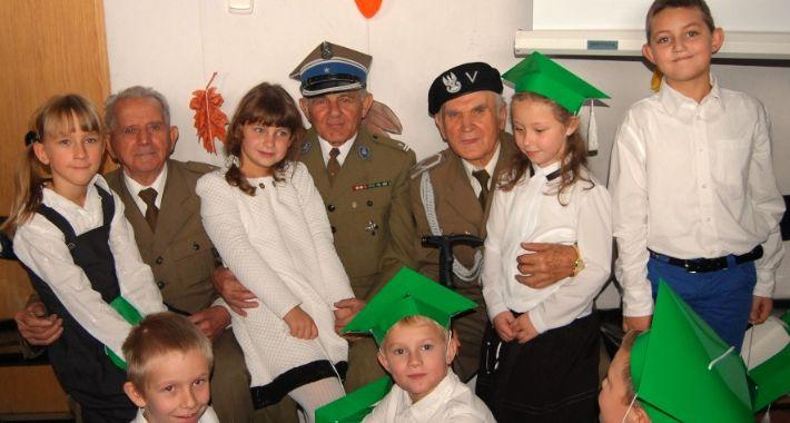 szkoly, ŚWIĘTO SZKOŁY BORZĘCINIE DUŻYM - zdjęcie, fotografia