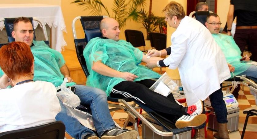 krwiodawstwo, DAJESZ CHŁOPIE DAJESZ - zdjęcie, fotografia