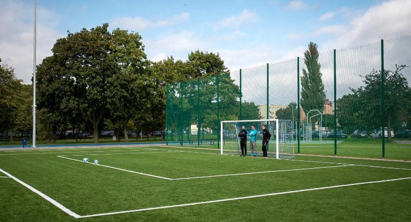 szkoły, Nowoczesne boiska sportowe Targówku - zdjęcie, fotografia