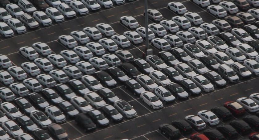 Na Sygnale , Zajął miejsca parkingowe mogą znaleźć nawet jednego - zdjęcie, fotografia