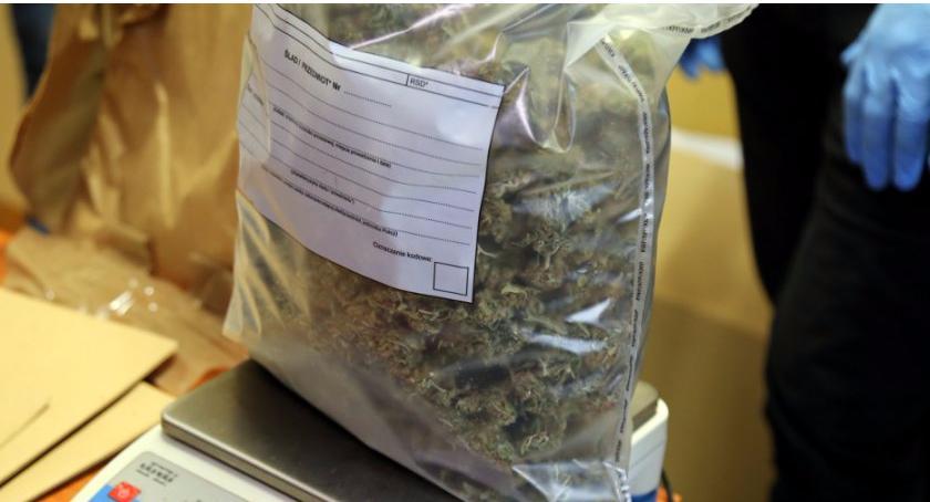 Na Sygnale , Półtora kilograma narkotyków amfetamina marihuana ekstazy - zdjęcie, fotografia