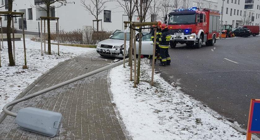 bezpieczeństwo, Wypadek ulicy Montwiłłowskiej - zdjęcie, fotografia
