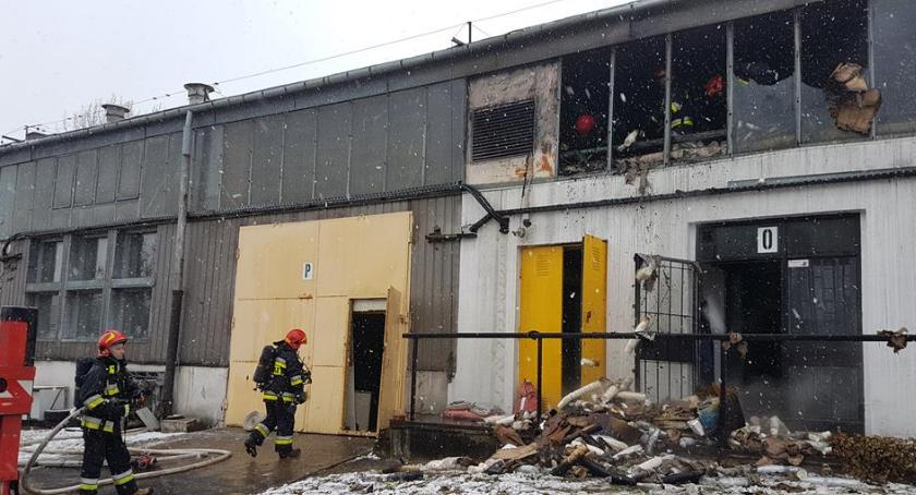 bezpieczeństwo, Pożar magazynów Targówku - zdjęcie, fotografia