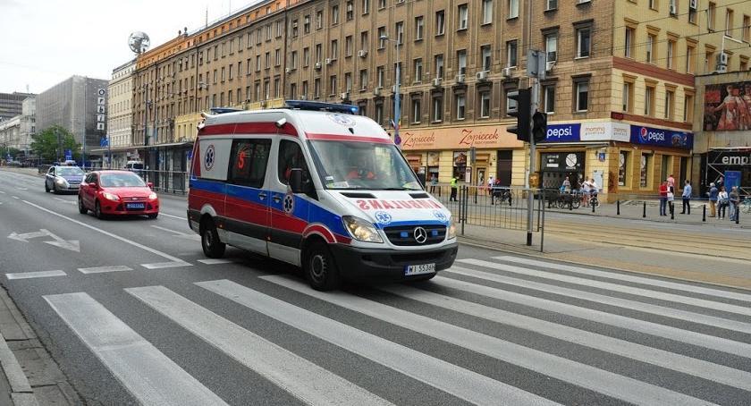 Targówek, Trójka robotników trafiła szpitala poraził prąd - zdjęcie, fotografia