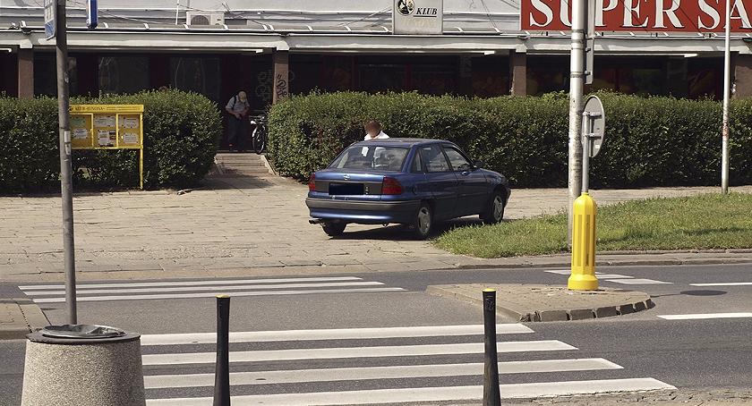 Mistrzowie parkowania , zakupy - zdjęcie, fotografia