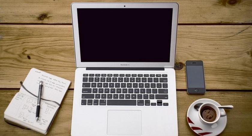 handel i usługi, Ogłoszenia internecie opłacają - zdjęcie, fotografia