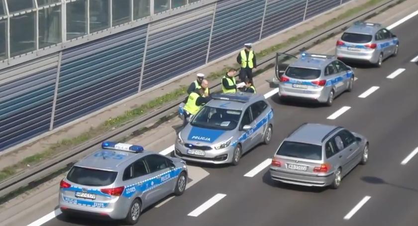 Trasa S8 - pościg za pijanym kierowcą Renault  [07.04.2019]