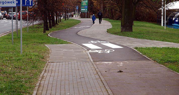 rowery, Trudna sztuka malowania pasów - zdjęcie, fotografia