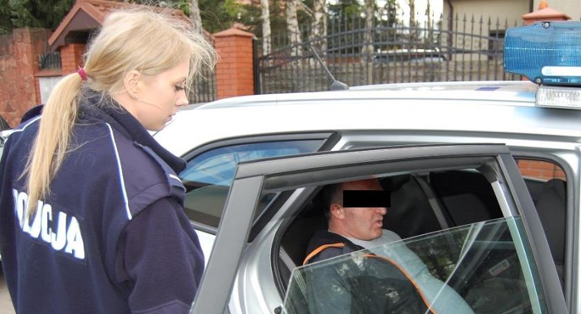 Na Sygnale , Podejrzanego rozbój pomógł zatrzymać policjant jadący służby - zdjęcie, fotografia