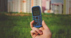 Dlaczego warto zdecydować się na telefon dla seniora?