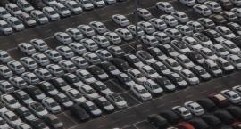 Zajął 2 miejsca parkingowe, gdy inni nie mogą znaleźć nawet jednego
