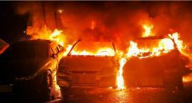 3 płonące samochody na Pradze skutkiem podpalenia?