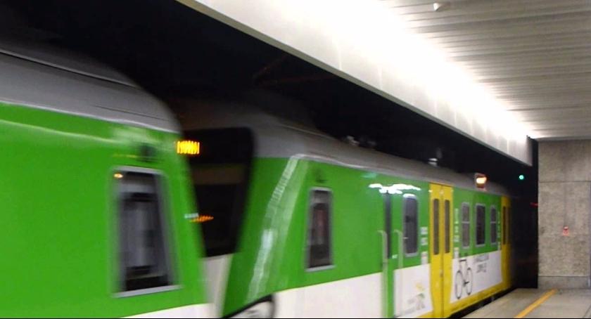 Inwestycje, Modernizacja pociągów linii wołomińskiej warta - zdjęcie, fotografia