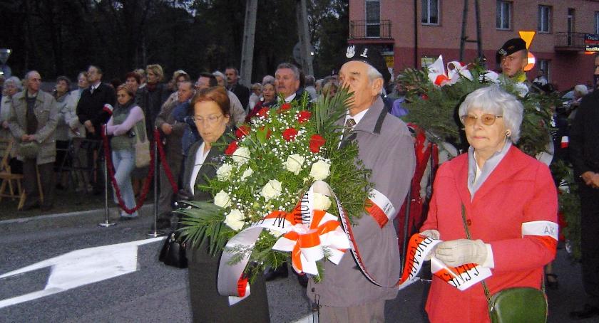 Historia, Dzień pamięci bohaterach - zdjęcie, fotografia