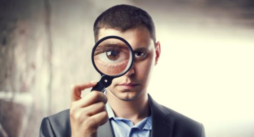 Handel i usługi, Usługi detektywistyczne czyli kiedy wynająć detektywa - zdjęcie, fotografia