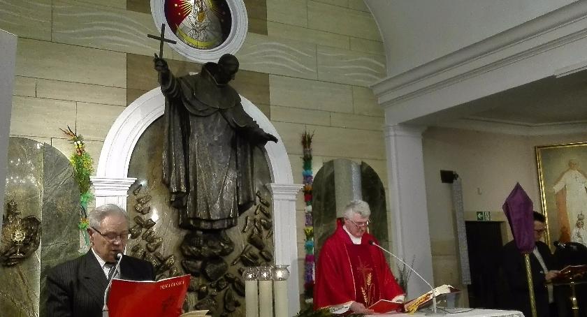 Religia, Wojskowa parafia Rembertowie rozpoczęła Wielki Tydzień - zdjęcie, fotografia
