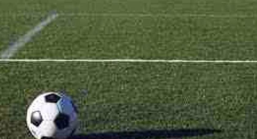 Piłka nożna, Zostało tylko osiem kolejek - zdjęcie, fotografia