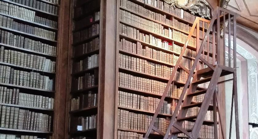 News, Rembertów wybrał głosowaniu książki - zdjęcie, fotografia