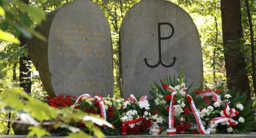 Historia, Uroczystość poświęcona pamięci żołnierzy Warszawskiej Dywizji Piechoty Kościuszki - zdjęcie, fotografia