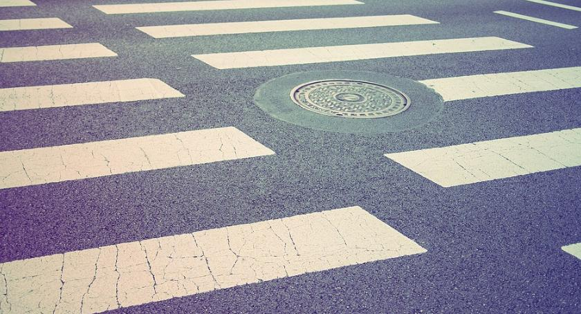 Bezpieczeństwo, przejść pieszych doświetlonych Rembertowie - zdjęcie, fotografia