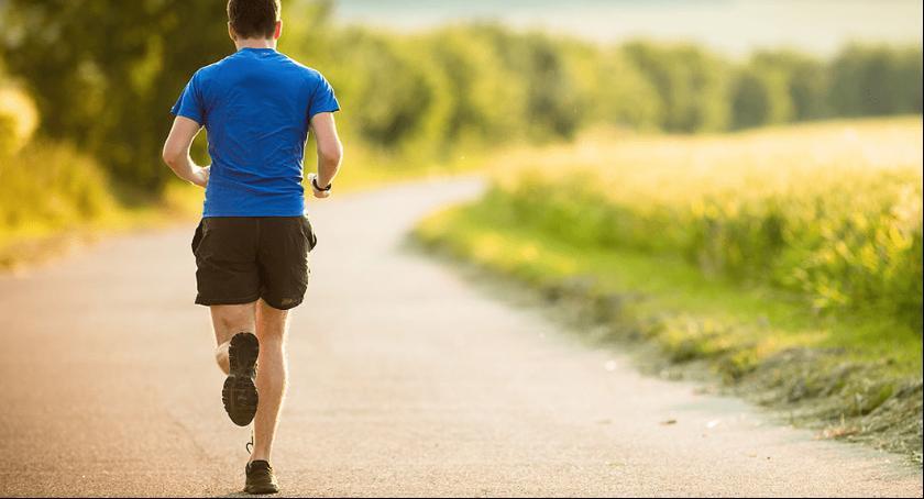 W Rembertowie są organizowane bezpłatne treningi dla biegaczy.