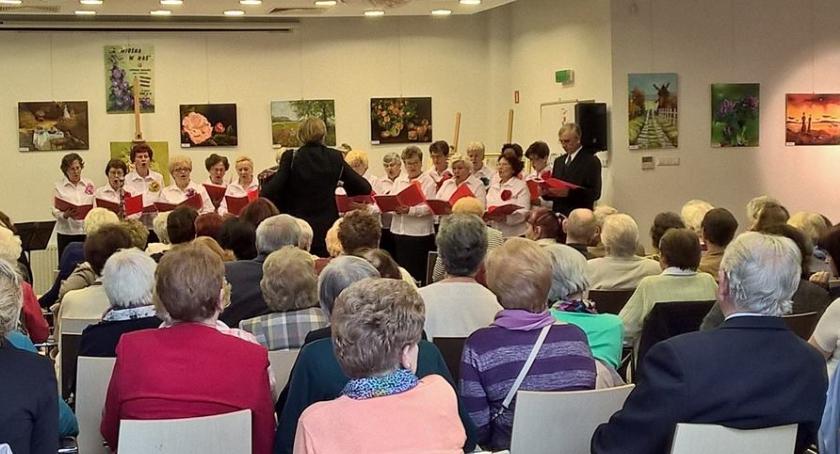 Seniorzy, Posiedzenie Seniorów Dzielnicy Rembertów Warszawy - zdjęcie, fotografia