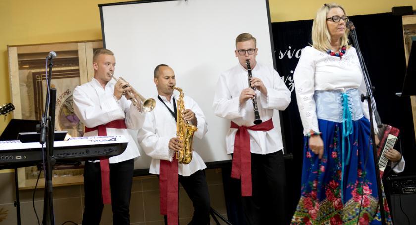 Wydarzenia lokalne, Biesiada stylu karaoke - zdjęcie, fotografia