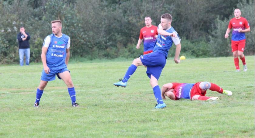Piłka nożna, Pechowa porażka Wichra Wielgie - zdjęcie, fotografia