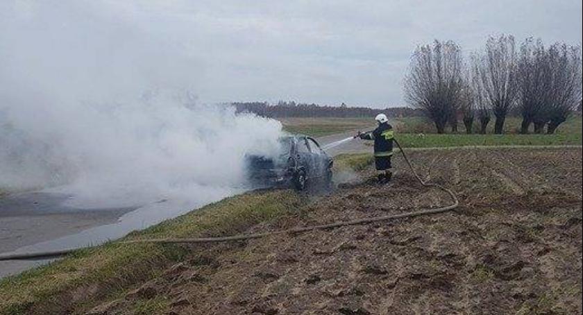 Kronika kryminalna, fakty śmierci płonącym aucie Julkowie - zdjęcie, fotografia