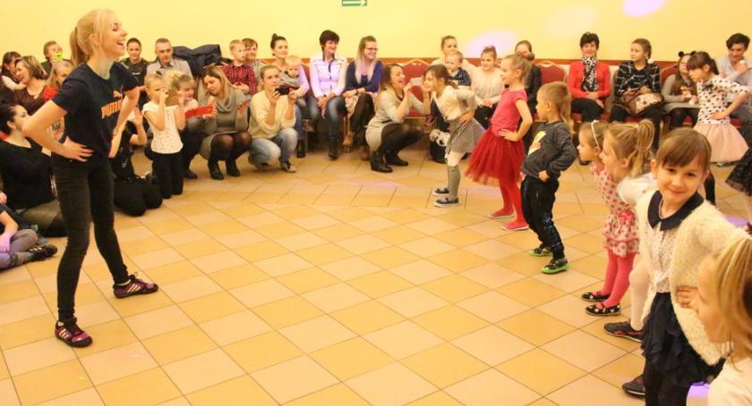 Wydarzenia lokalne, bawili najmłodsi Wichowie - zdjęcie, fotografia