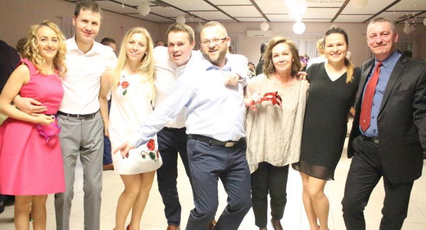 Imprezy, Szalona impreza Grochowalsku [zdjęcia] - zdjęcie, fotografia