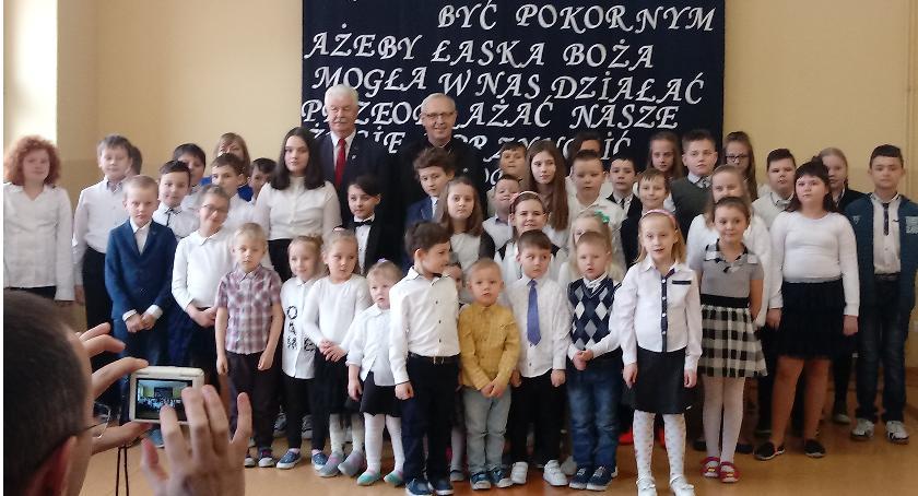 Edukacja, Biskup szkole Wólce - zdjęcie, fotografia