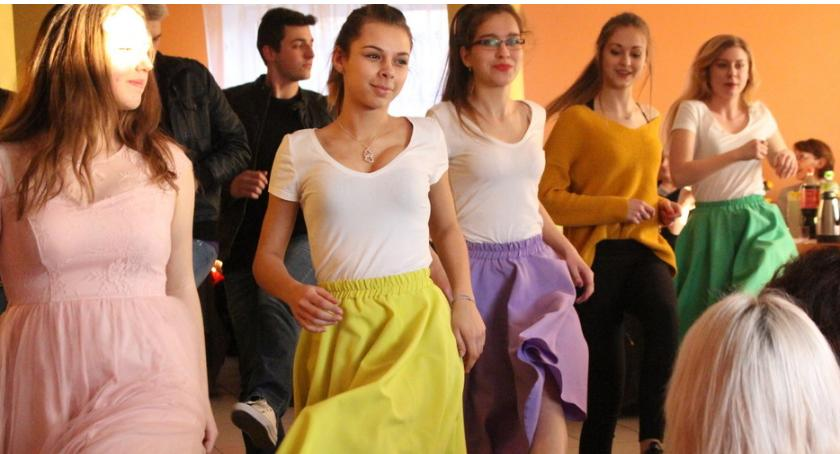 Imprezy, Impreza humorem trzech sołectw [foto] - zdjęcie, fotografia