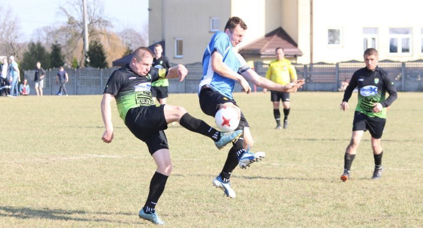 Piłka nożna, Wysoka porażka Oriona Popowo [zdjęcia] - zdjęcie, fotografia