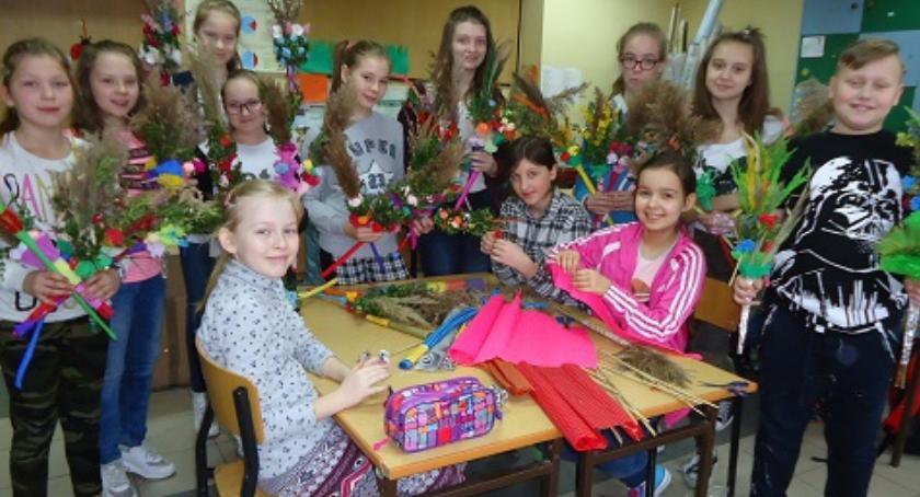 Edukacja, Rękodzieło setne urodziny Maliszewie - zdjęcie, fotografia