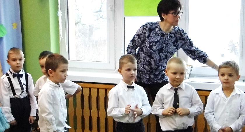 Oświata, Sztandar urodziny przedszkola - zdjęcie, fotografia