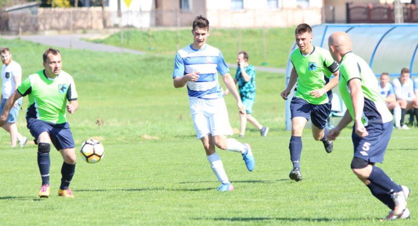 Piłka nożna, Zadyszka Wiślanina Porażka Skrwą - zdjęcie, fotografia