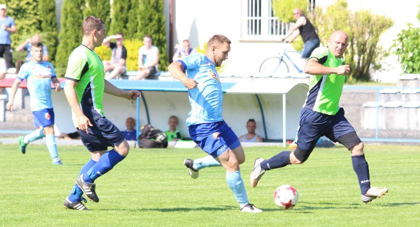 Piłka nożna, Mień Lipno lepszy Wiślanina Bobrowniki - zdjęcie, fotografia