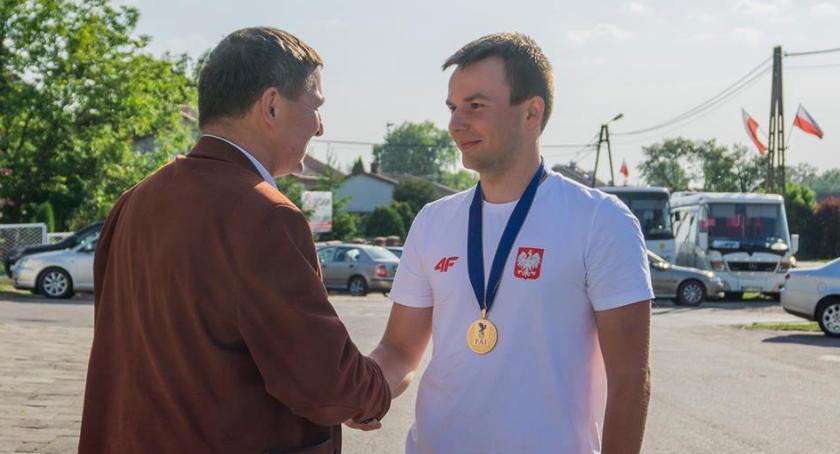 Ciekawi ludzie, Królewskie powitanie Wojciecha Bógdała - zdjęcie, fotografia