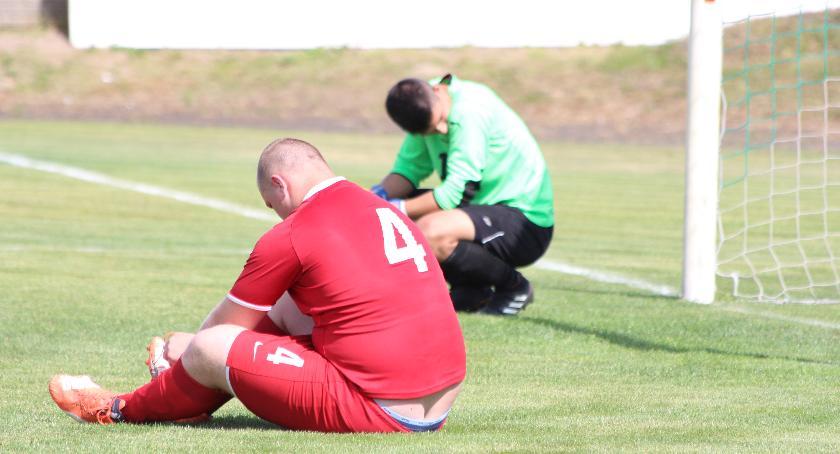 Piłka nożna, Klęska Wisły Dobrzyń Utrzymanie ucieka [zdjęcia] - zdjęcie, fotografia