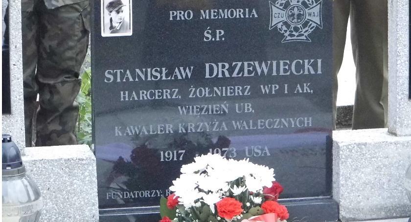 Postaci, Upamiętnili Stanisława Drzewieckiego - zdjęcie, fotografia