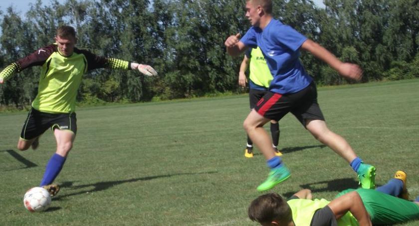 Piłka nożna, Sołectwa Dobrzynia Wisłą murawie - zdjęcie, fotografia