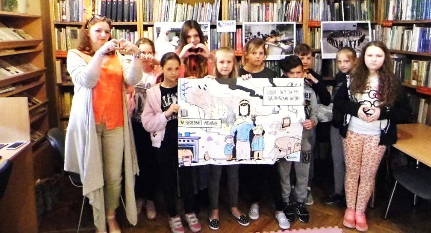 Biblioteki, Humanitarna książnica Lipnie - zdjęcie, fotografia
