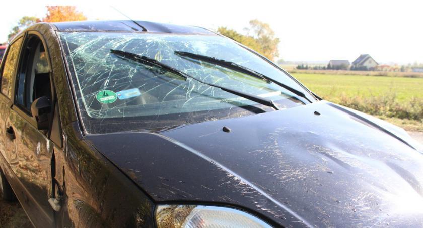 Wypadki, Groźne zdarzenie drodze powiatowej - zdjęcie, fotografia