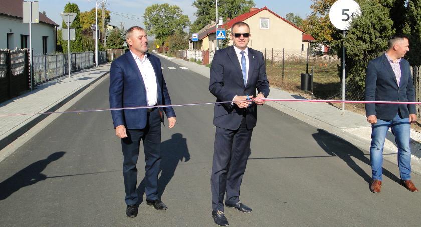 Inwestycje, Kolejne drogi gminie Lipno gotowe - zdjęcie, fotografia