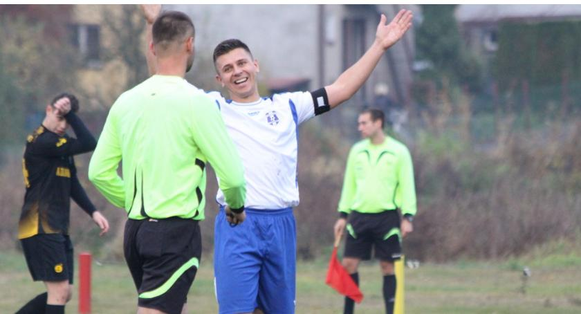 Piłka nożna, Derby remis Wicher Wielgie wiceliderem - zdjęcie, fotografia