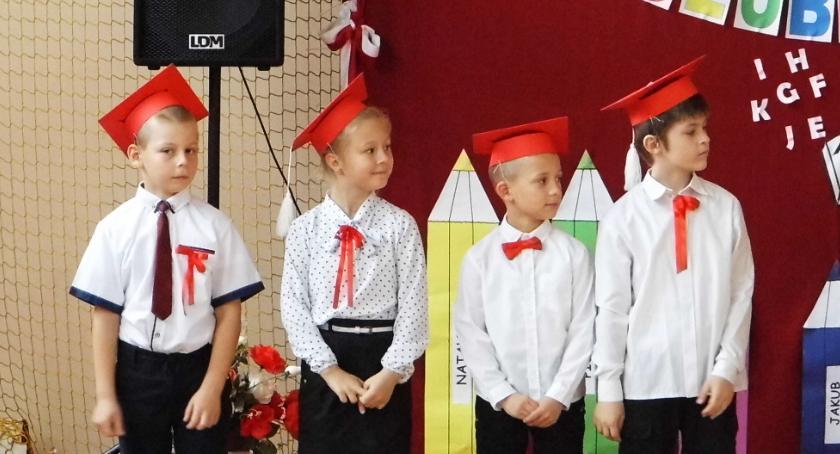 Edukacja, Jubileuszowe ślubowanie Maliszewie - zdjęcie, fotografia