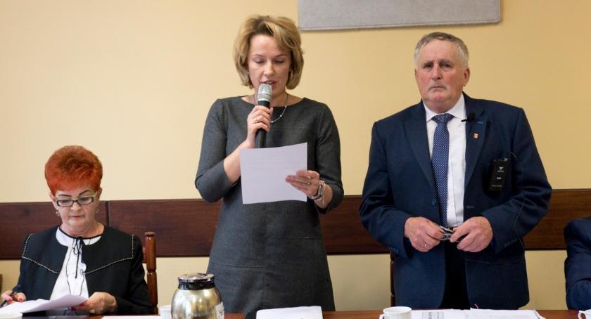 Samorządy Gminne, Samorząd gminy Bobrowniki zaczął kadencję - zdjęcie, fotografia
